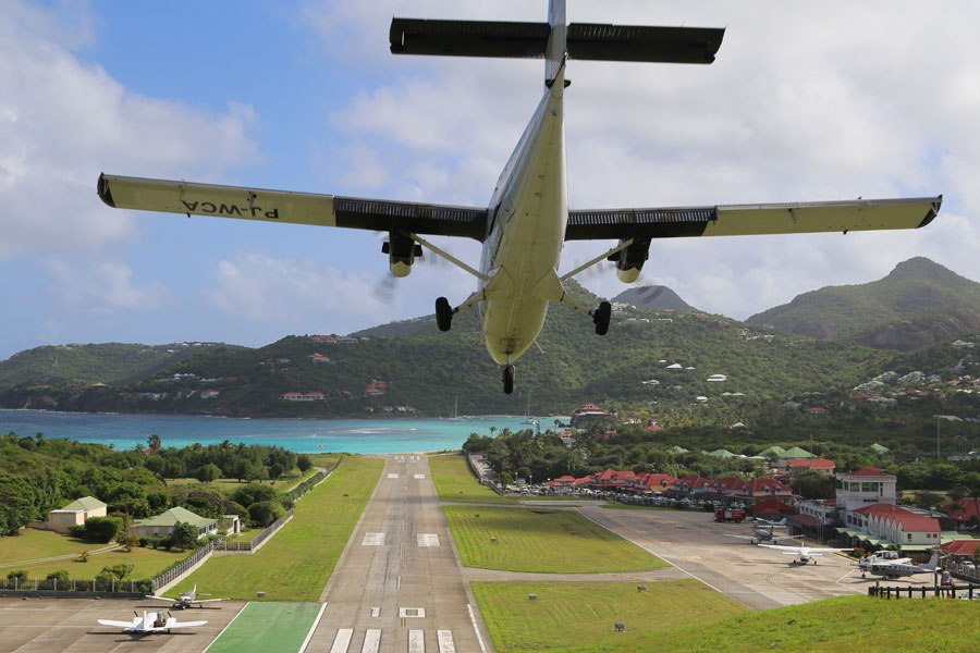 Landing at St Barts Airport