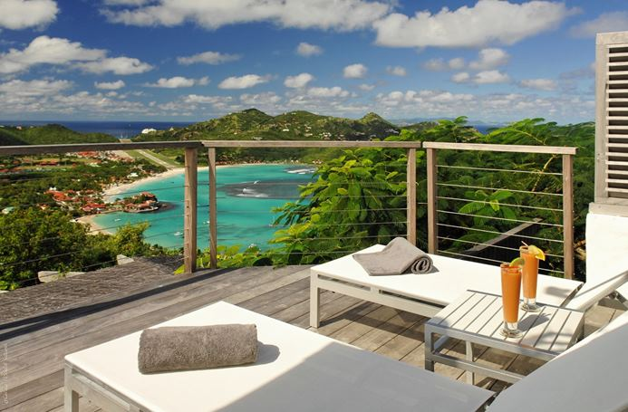 Villa Coco de Mer (WV CCM) is a modern 2-bedroom villa located in St. Jean within minutes of the beach and shopping. This villa offers views of the ocean and landscape.