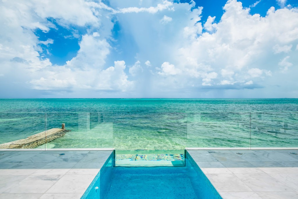 Plunge pool with ocean views