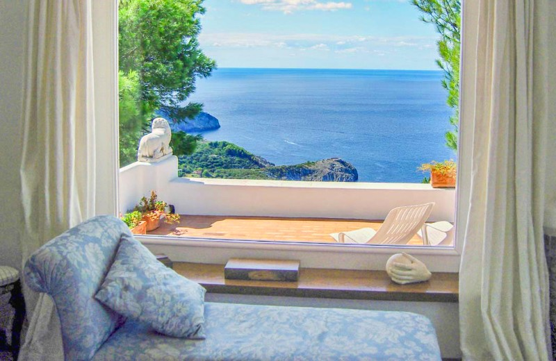 Waterfront Villa on the Amalfi Coast of Italy with spectacular views and a pool on the deck.