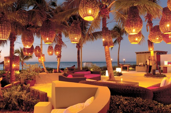 Infiniti at grace bay, restaurant, caribbean restaurant, dining, turks and caicos