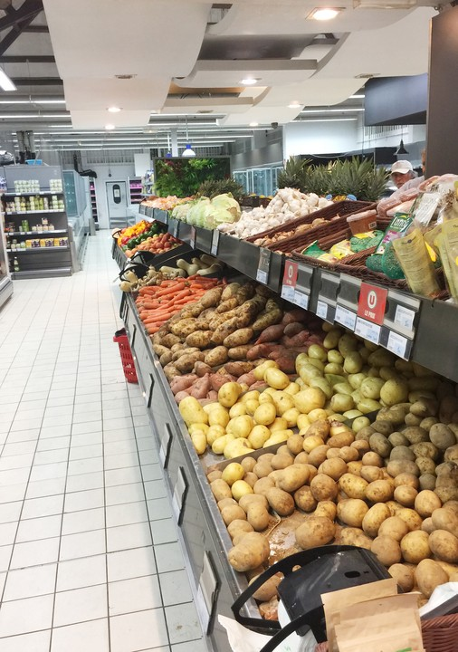 Super U offering a full selection of fresh produce st barts